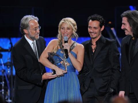 27. Shakira fue nombrada como Persona del Año durante la pasada e...