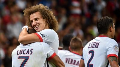 David Luiz felicita a Lucas Moura por marcar el gol de la victoria parisina