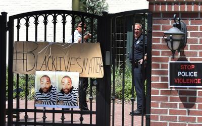Piden la renuncia de Charlie Beck tras la muerte de Ezell Ford
