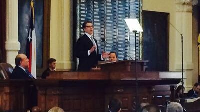 El gobernador de Texas se dirigió esta tarde a los texanos, para despedi...