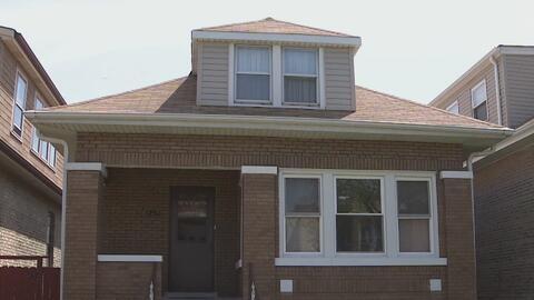 Ladrones continúan atacando a ancianos en sus viviendas en Chicago