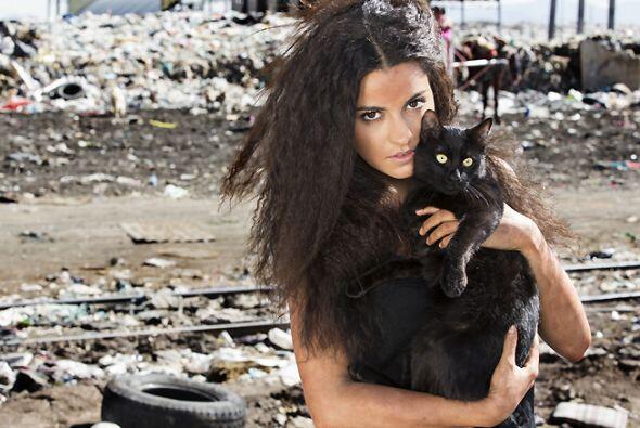 La primera en esta lista es Maite Perroni con su personaje de Esmeralda...