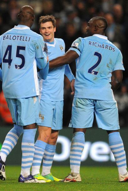 El Manchester City no afloja y va derecho al título en la Liga Premier....