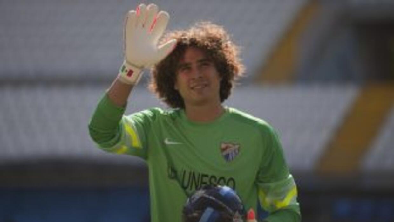 Guillermo Ochoa participó como titular en la derrota del Malaga ante la...