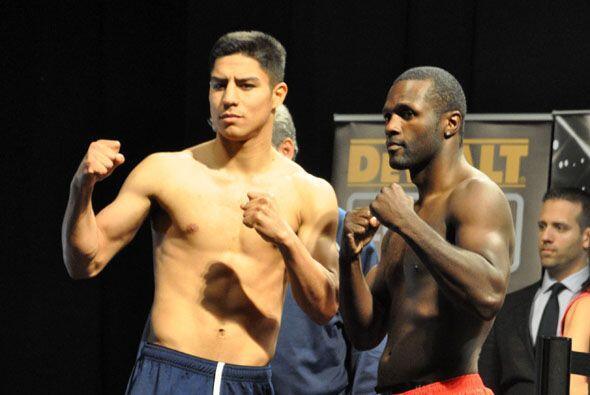 La otra pelea de fondo será entre el invicto Jessie Vargas, que pesó 146...