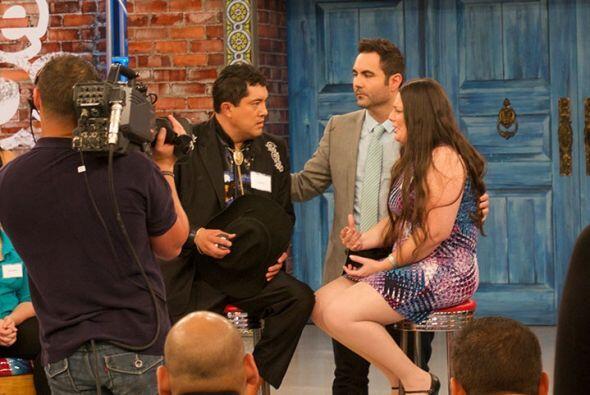 Alejandra decidió arriesgarse y contarle a su prometido el asesinato que...