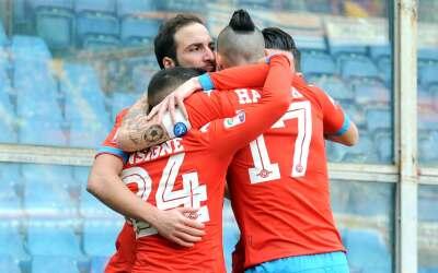 Nápoles asegura el liderato con triunfo