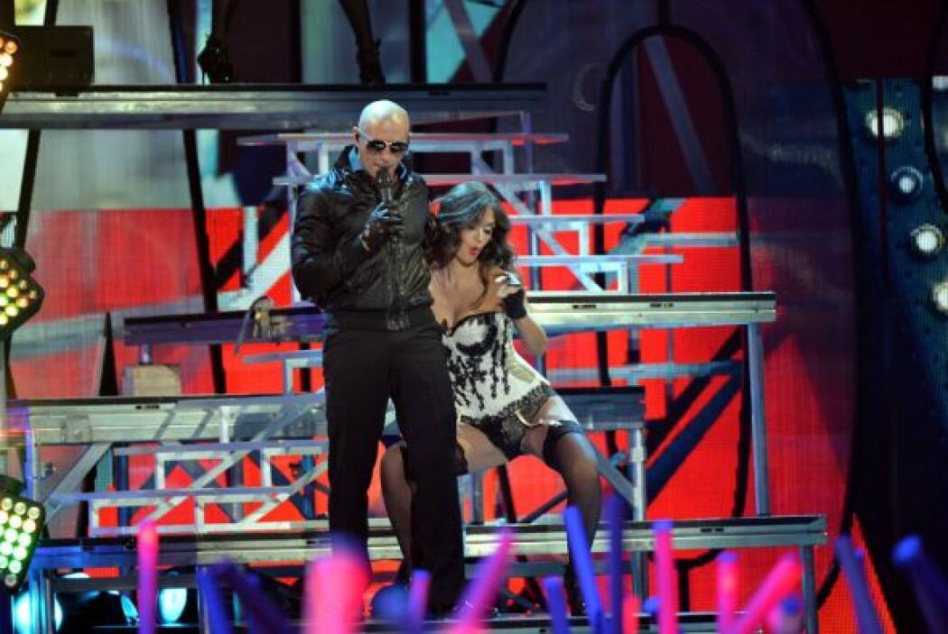 Cabe destacar que Pitbull es uno de los consentidos de Univision y ha de...