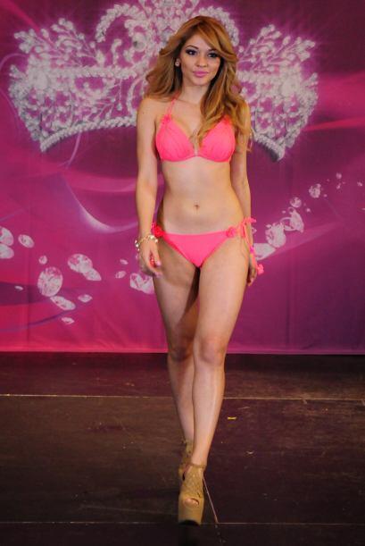 Josephine Ochoa es de Guatemala. Esta rubia ha causado sensación...