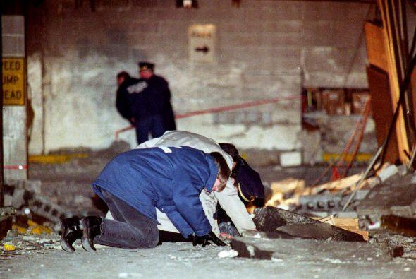 El saldo fue de seis muertos y mil 42 heridos.