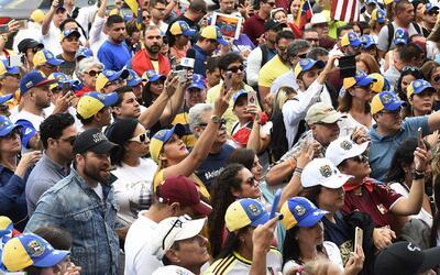 Proponen alivio migratorio para venezolanos que llegaron a EEUU antes de...