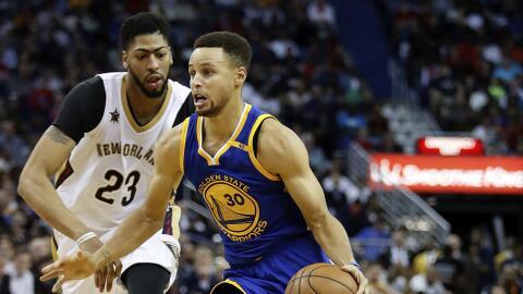 Stephen Curry sumó 30 puntos.