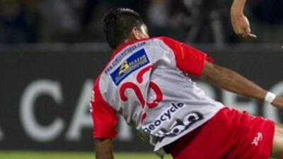 uventud Independiente aplastó al campeón Isidro Metapán por 6-1 en la se...