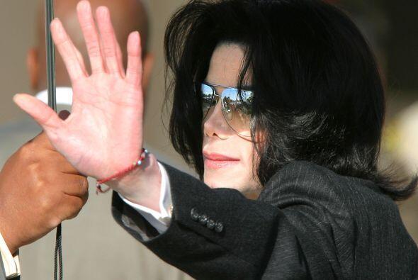 39. Luego de dos años de la muerte de Michael Jackson, en septiembre arr...