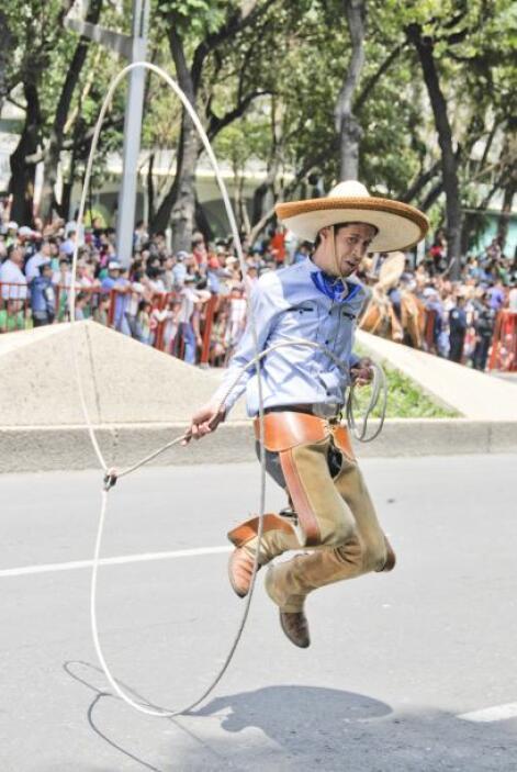 Y las tradicionales suertes mexicanas de la charrería también se hiciero...