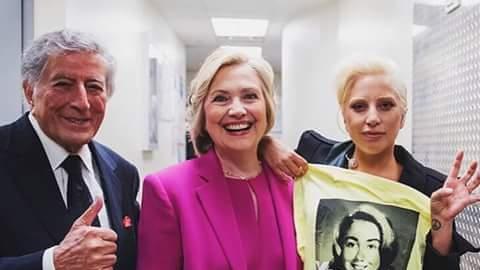 Lady Gaga mostró su apoyo hacia Hillary Clinton una vez más y se le sumó...