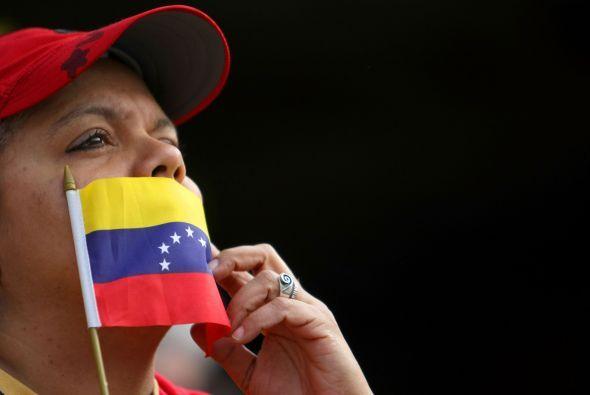 La noticia del fallecimiento del presidente de Venezuela, Hugo Chávez, e...