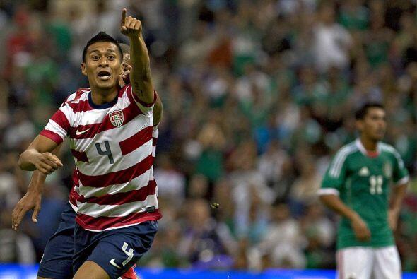 Debutó con la selección norteamericana en el 2008 ante Trinidad y Tobago...