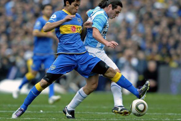 Otro de los jugadores a seguir es Sergio Araujo, delantero habilidoso de...