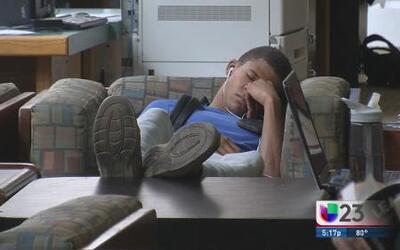 ¿Cuánto duermen los universitarios?