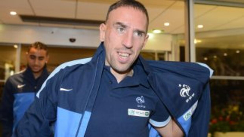 Ni la lumbalgia que arrastra Ribéry lo ha marginado de la lista final de...