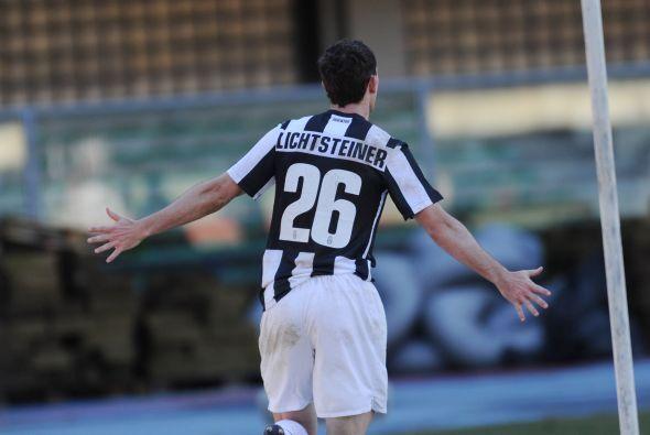 El jugador del campeón y actual líder Juventus abrió el marcador en el t...