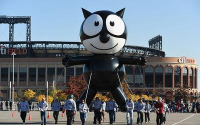 Unas semanas atrás, el globo del Gato Félix se preparaba e...