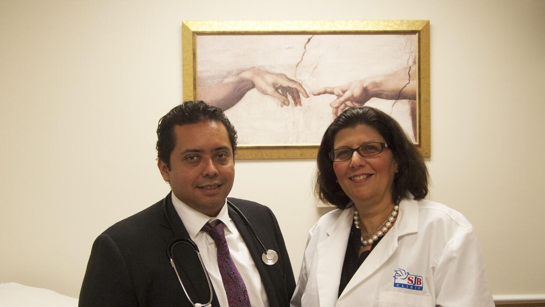 La St. John Bosco Clinic atiende a pacientes de bajos recursos en Miami...