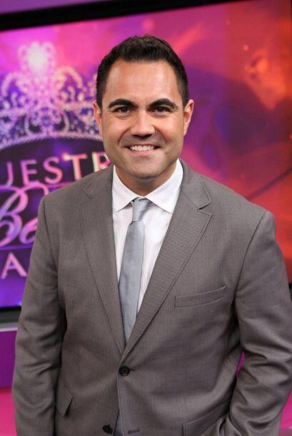 Enrique siempre apoyando a Nuestra Belleza Latina.