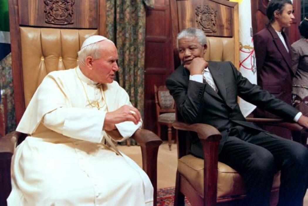 A lo largo de su vida Nelson Mandela convivió con destacados personajes...
