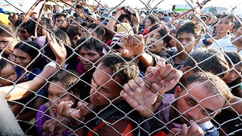 Millones de filipinos sobrevivientes del paso del tifón Haiyan necesitan...