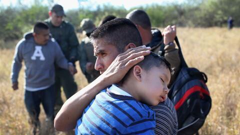 Estos migrantes ahora huyen unidos ante la escalada de violencia en sus...