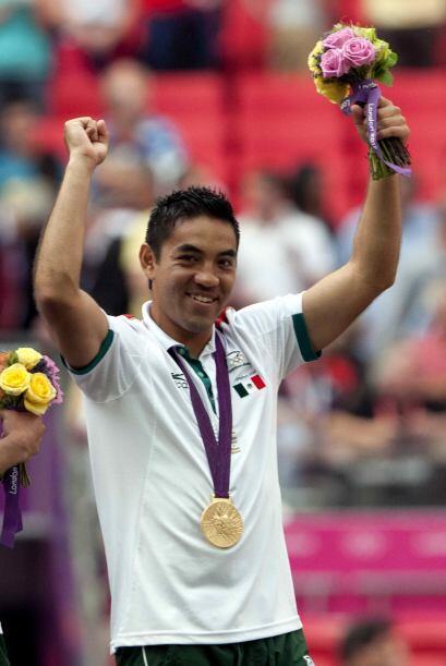 Tras la medalla olímpica Marco Fabián pasó sin pena...