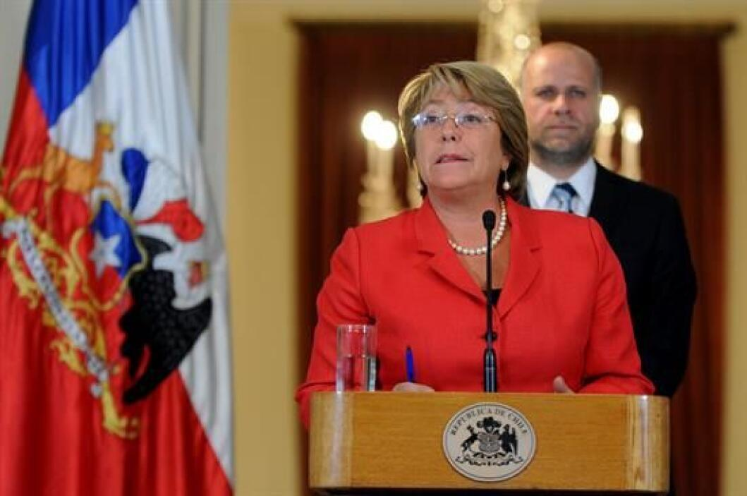 La presidenta Michelle Bachelet decretó este miércoles el estado de emer...