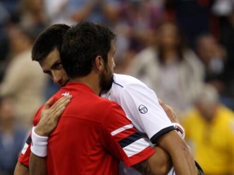 Novak Djokovic[1] derrotó su compatriotaJanko Tipsarevic 7(...