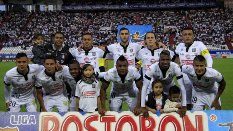 Once Caldas es líder del fútbol cafetalero.