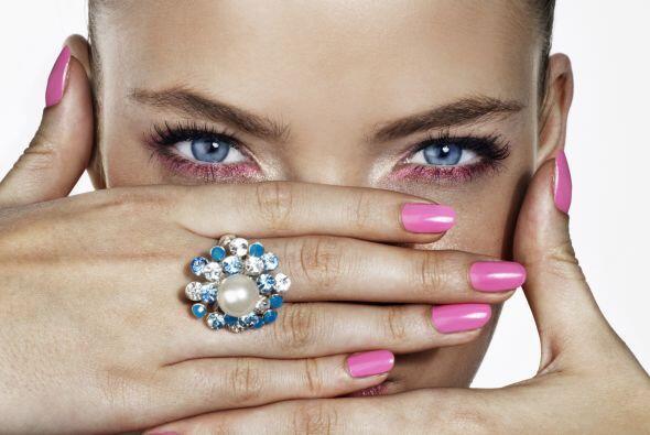 Recuerda que unas uñas bellas siempre te harán lucir coque...