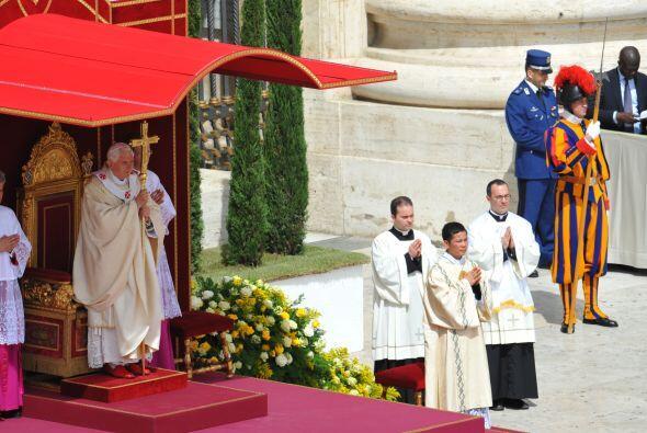 La beatificación tuvo lugar con un trasfondo de críticas por la rapidez...