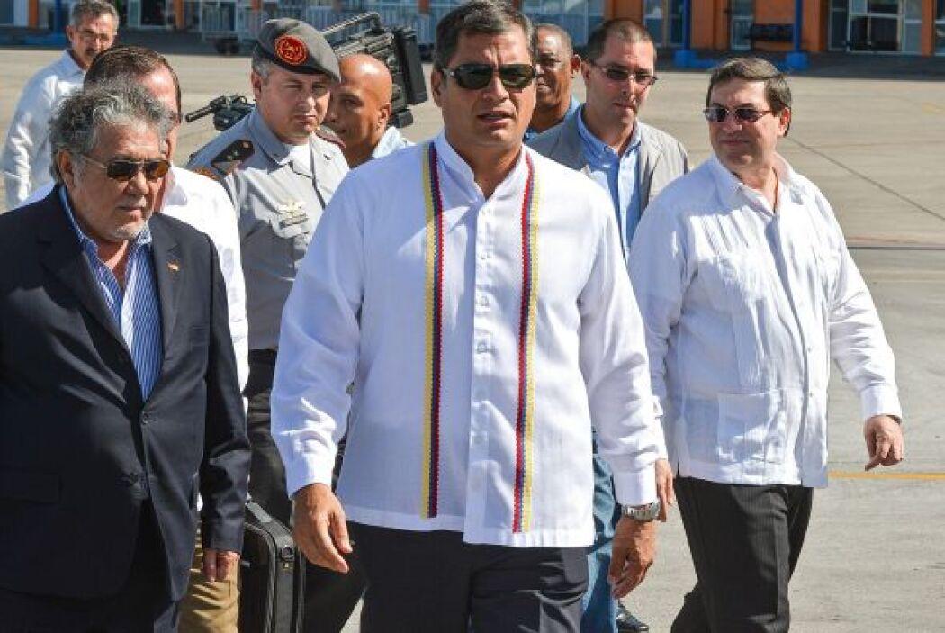 """""""Venimos a darle un abrazo (a Chávez) en nombre de la patria ecuatoriana..."""