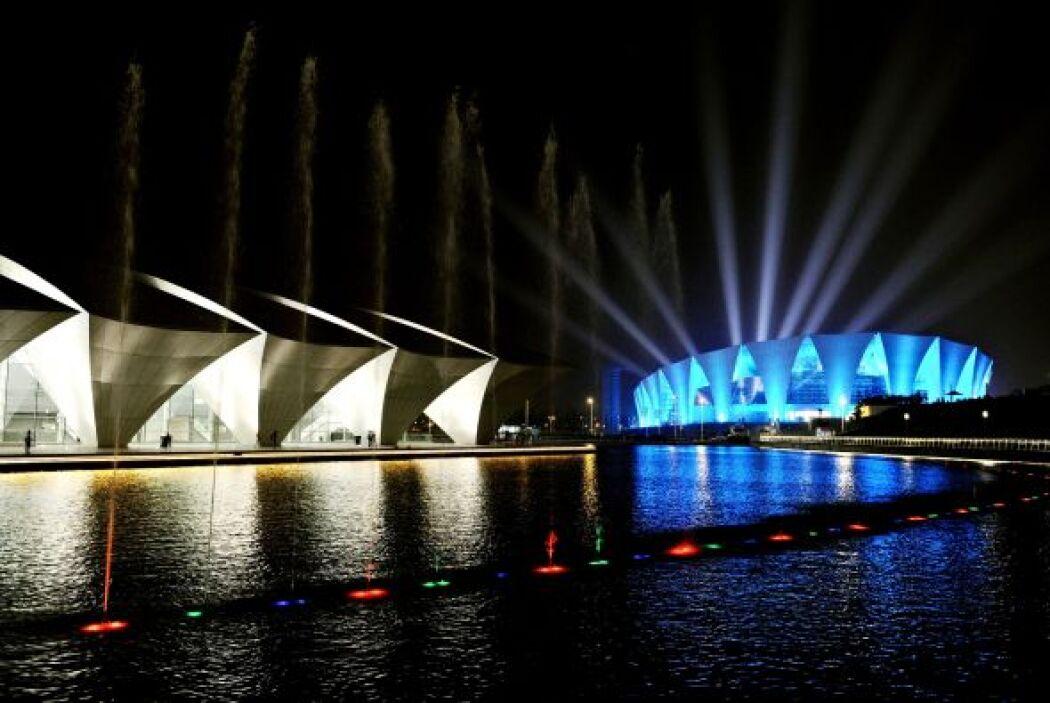 Con este acto se puso fin a un espectáculo de música y luz en el estadio...