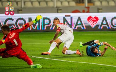 Perú derrotó por 2-1 a Uruguay