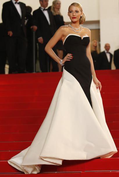 Y lo hizo de nuevo...Blake Lively durante el Festival de Cine de Cannes...