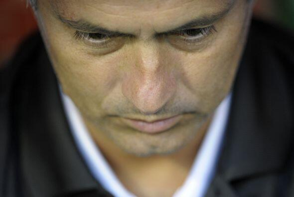 José Mourinho, entrenador madridista, por fin aceptó que está preocupado...