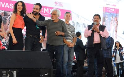 Susana González se vuelve madrina de 3 mil bodas simultáneas