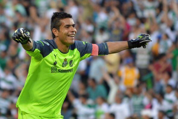 Oswaldo Sánchez se mantuvo una temporada más en el arco de los Laguneros...