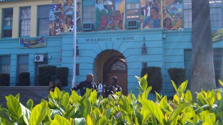 El Distrito Escolar Unificado de Los Ángeles (LAUSD) pagará al rededor d...