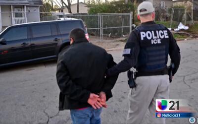 Más de 106 detenidos en operativos de I.C.E.