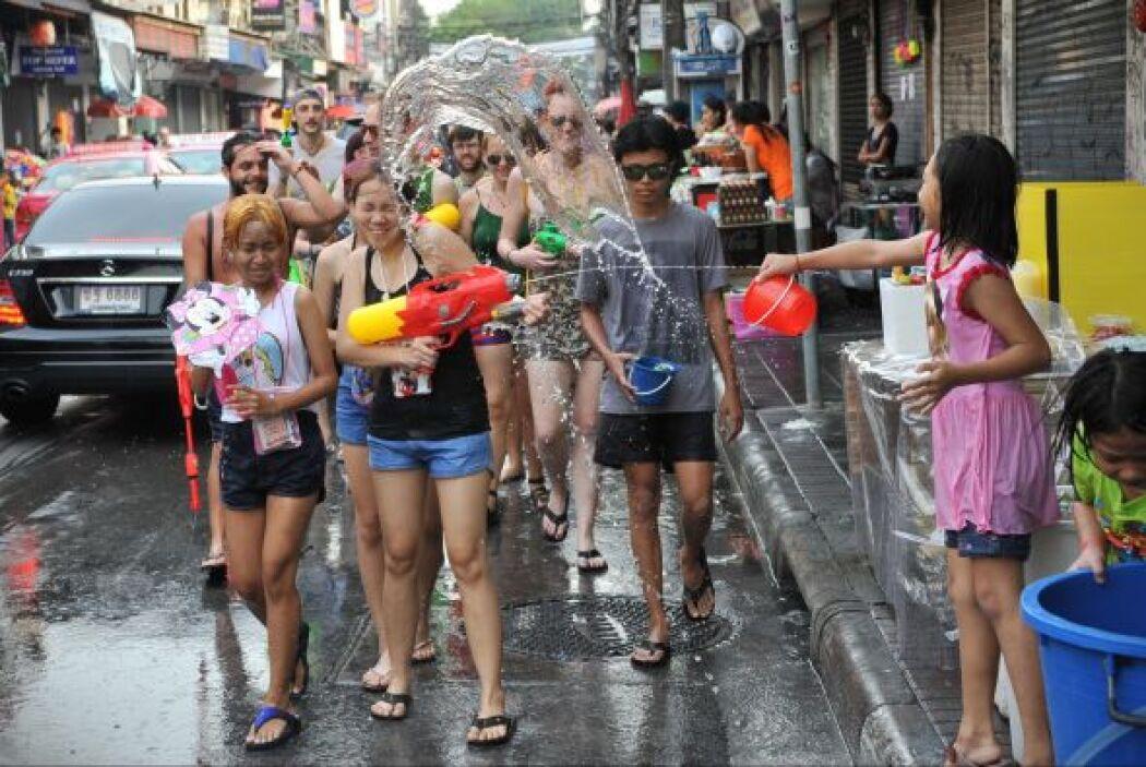 El día previo a la festividad, todos los tailandeses limpian a concienci...