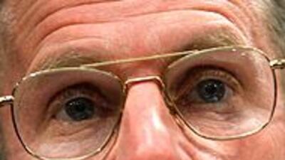 Obama destituyó al general McChrystal y nombró a Petreus al frente de Af...