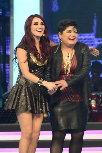 Así la presentó Dulce en el escenario.